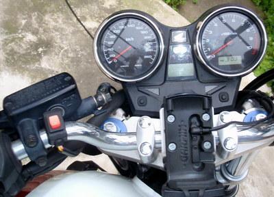 CB1300ETC_indicator.jpg